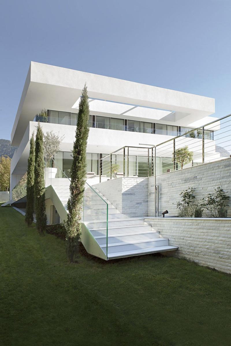 Moderna casa de dos pisos con piscina construye hogar Beautiful homes com