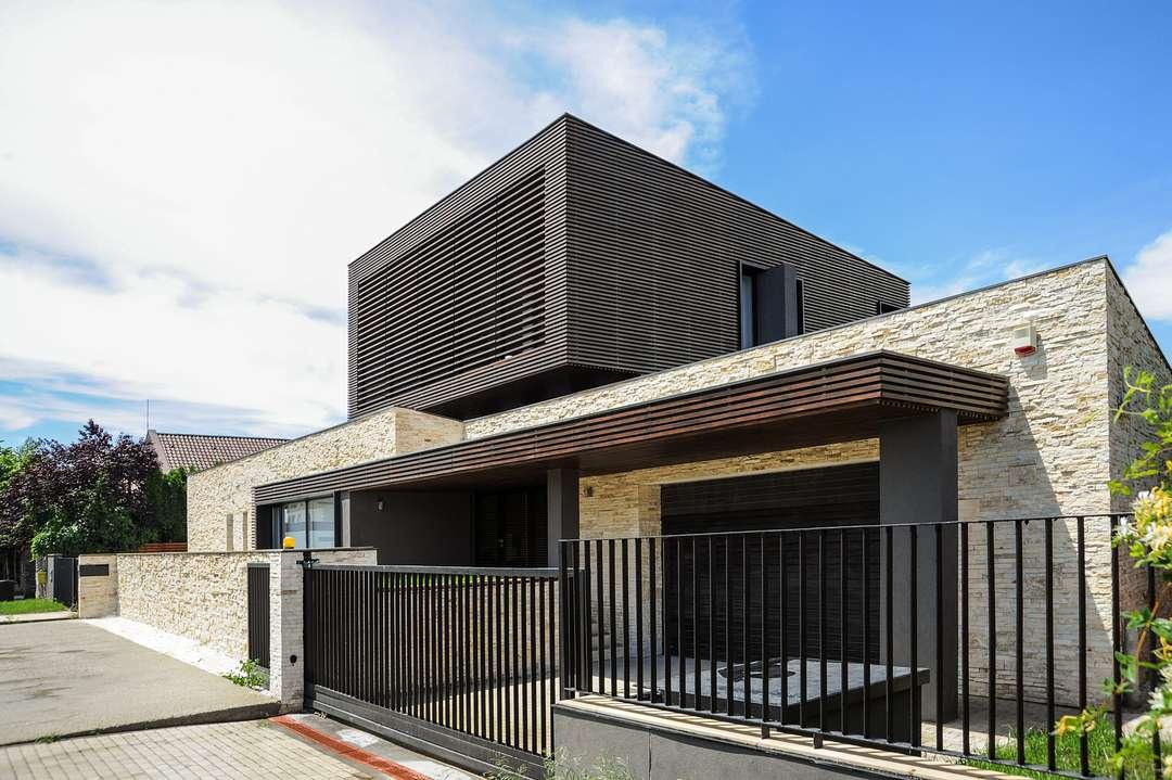 Casas modernas de madera y piedra images for Casas de madera modernas
