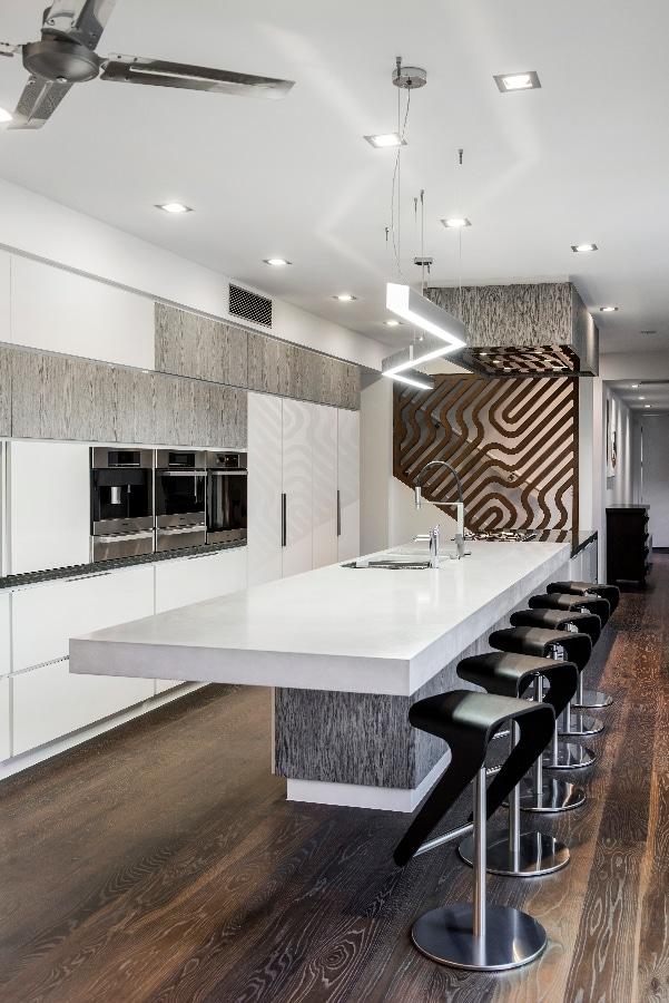Detalles de dise o de una moderna cocina construye hogar for Suspension de cocina moderna