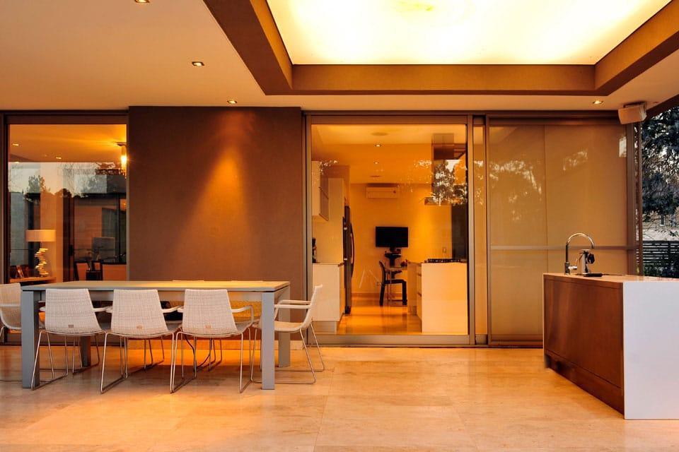 Planos de casa moderna de dos plantas fachada e Planos interiores de casas modernas