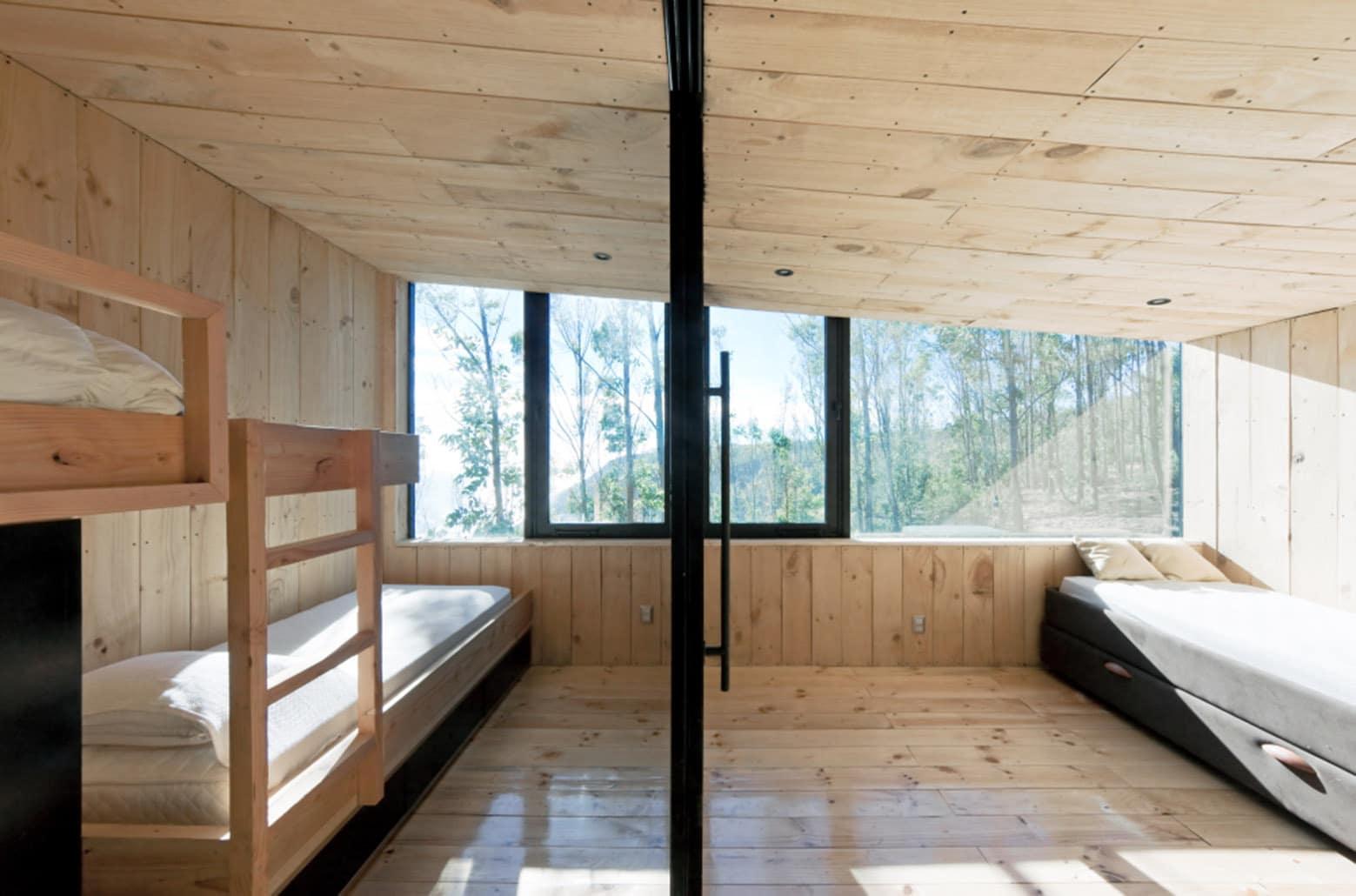 Dise o de casa moderna de dos pisos con planos construye for Plafones de techo y pared