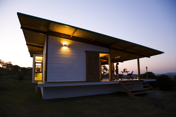 Dise o de casa muy peque a de madera construye hogar - Casas rurales madera ...