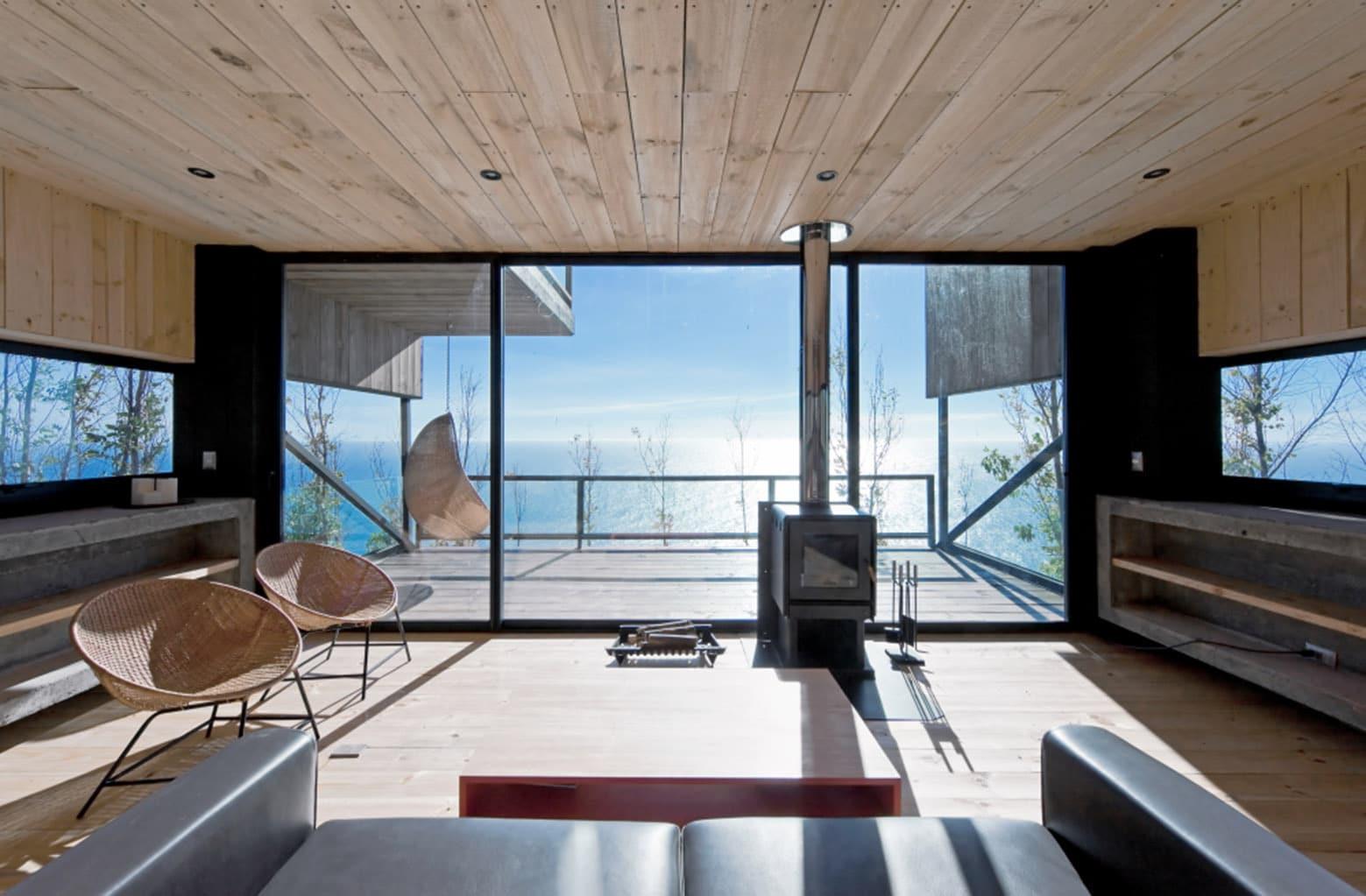 Dise o de casa moderna de dos pisos con planos construye for Casa moderna frente al mar