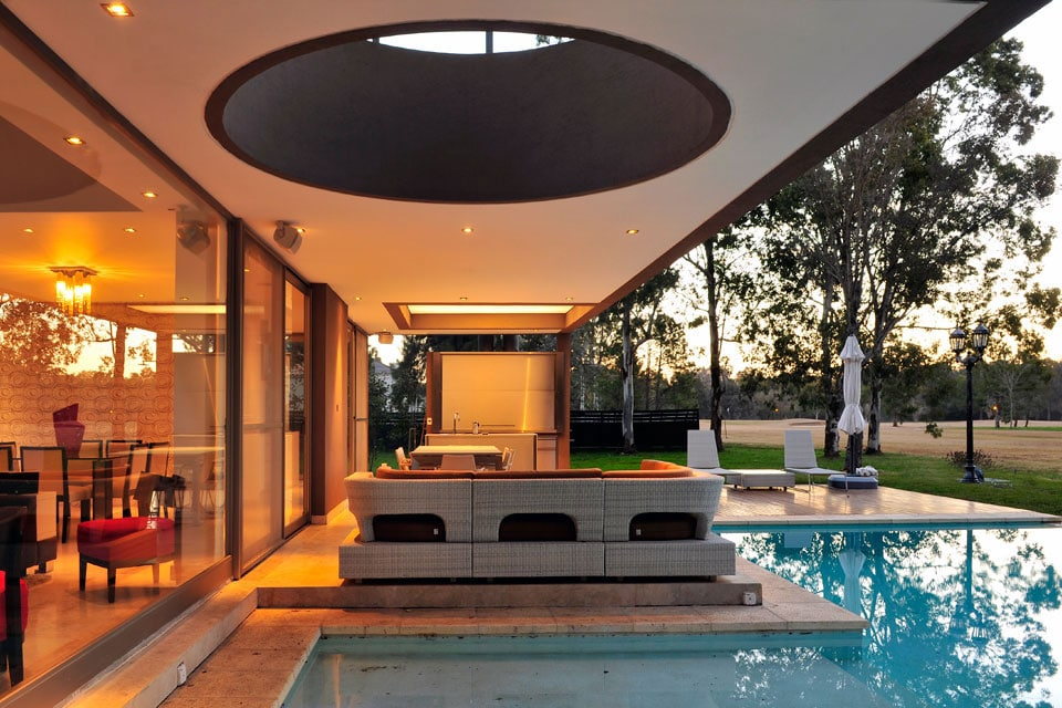 Planos de casa moderna de dos plantas fachada e for Diseno terrazas modernas