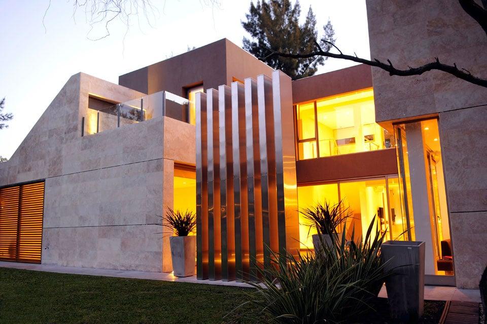 Planos de casa moderna de dos plantas fachada e for Fachada de casas modernas