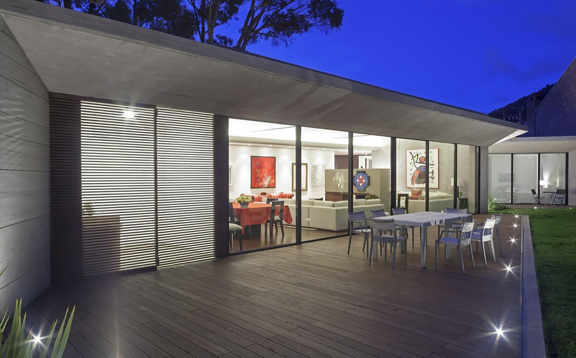 diseo de terraza con piso iluminado